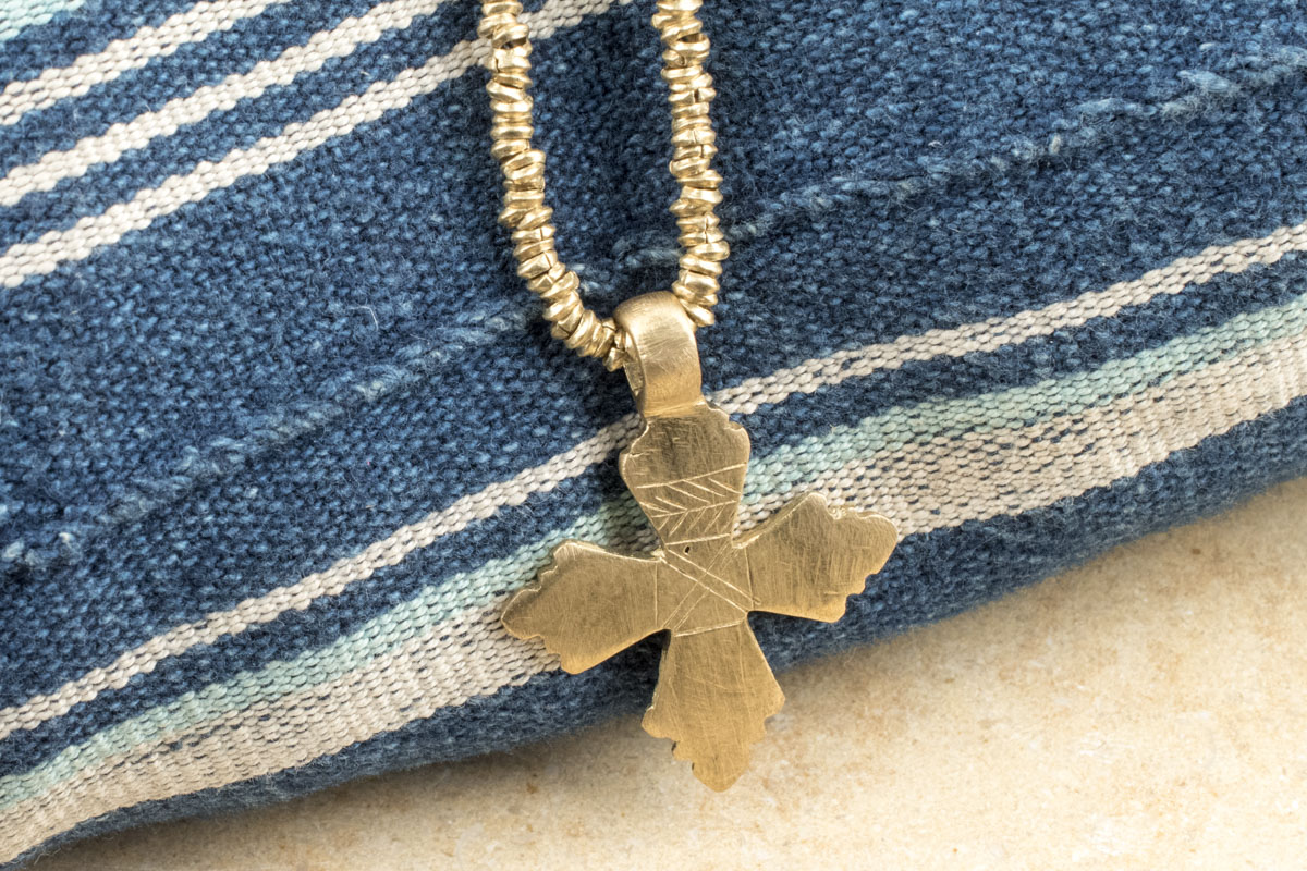 How to Make a Cross Necklace