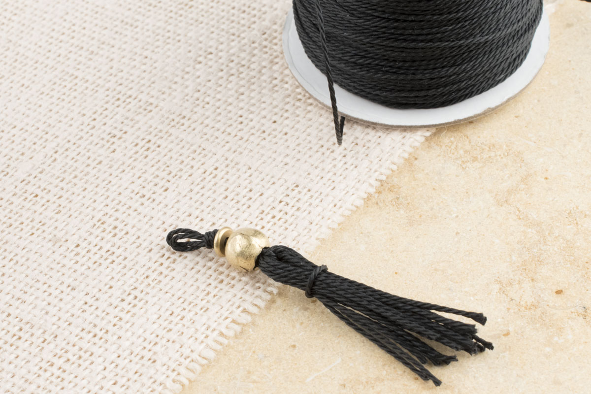 How to Make a Tassel With Waxed Cotton